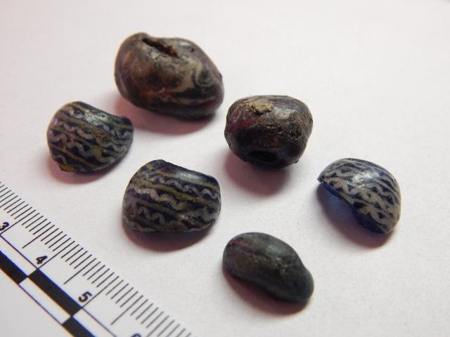 Glass beads from Grave 14 at Tuna i Badelunda.